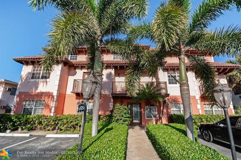 4525  Poinciana St #7 For Sale F10168132, FL